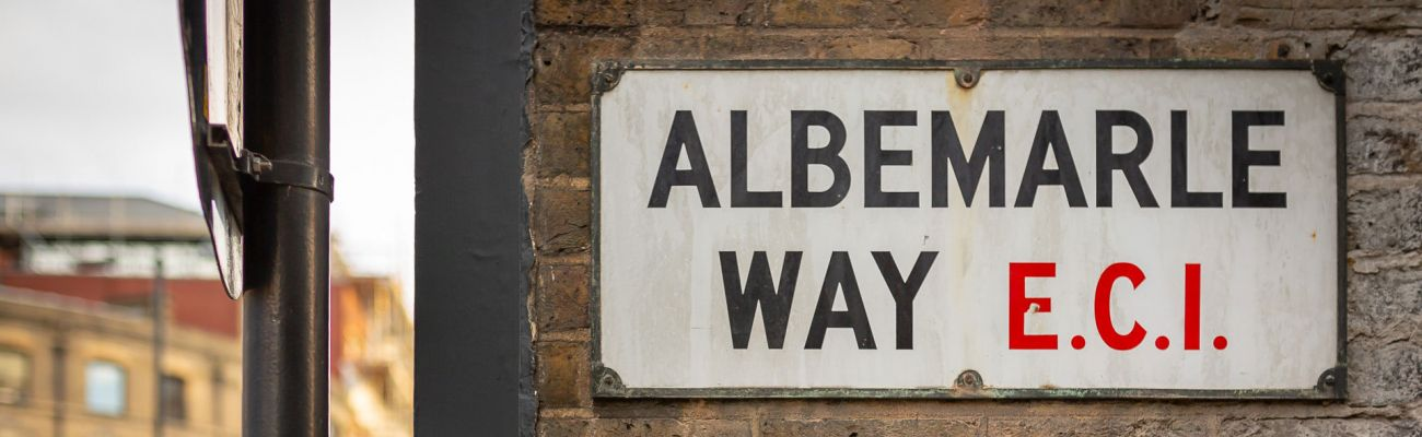 Street name sign of Albemarle way