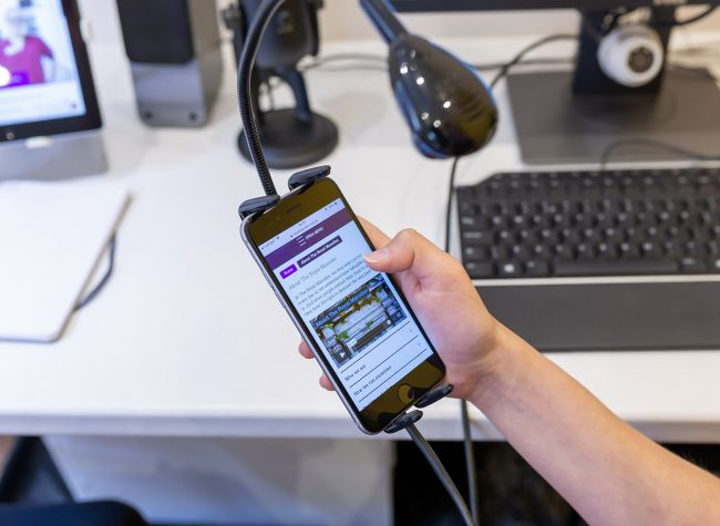 Mobile phone testing cradle